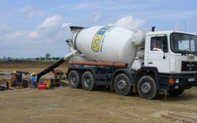 Nie dolewaj wody do betonu i nie pozwól na to innym!